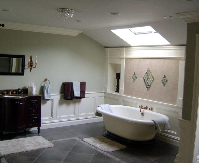 bathss1-min.jpg